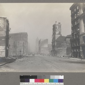 [Market Street, looking northeast from ca. Sixth St.. Call Building, center; Flood ...