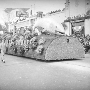 Humboldt County float at the 1939 Rose Parade