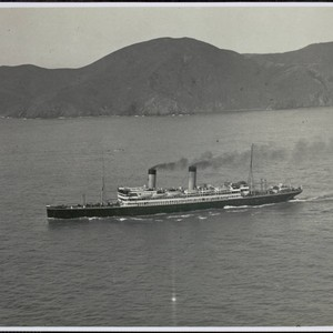 Ship steaming out of San Francisco Bay, 1920s