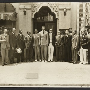 Jesse Owens visits the Home Office of the Golden State Mutual Life ...