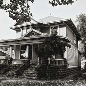 Facade of the Sweet House at 607 Cherry Street, Santa Rosa, California