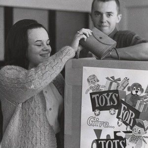 Students at Christmas toy drive, 1965