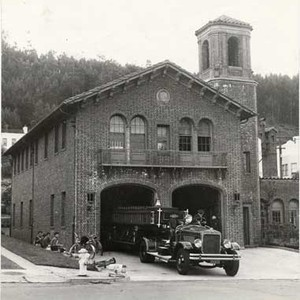 [Exterior of San Francisco Fire Department Engine 39 at 1091 Portola Drive]