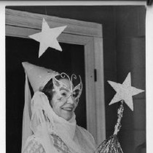 Phyllis Heselton of South Land Park, who dresses up as a witch ...