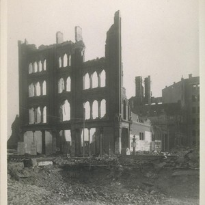 Ruins of the Society of California Pioneers Building [Pioneer Hall]. Fourth near ...