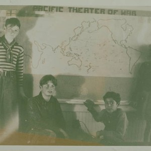 Children from Canyon School (in Santa Monica Canyon) with map of the ...
