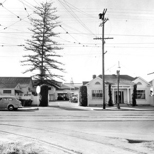 Barr Lumber Company office, Santa Ana, California: Photograph