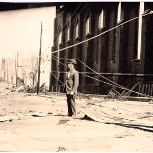 [Unidentified street after 1906 earthquake]