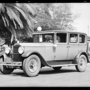 Packard sedan, Southern California, 1932