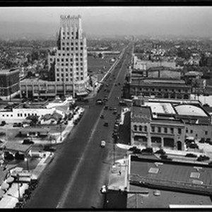 Traffic on Wilshire Blvd., 1932