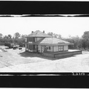 [Southern Pacific Railroad passenger station at Walnut Grove]