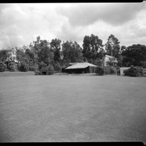 Lawn with cabana, Doheny Ranch, near Doheny Road, Beverly Hills, Calif., ca. ...