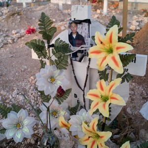 Grave of 18 year old, Juárez, 2009