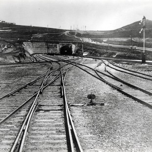 an analysis of transcontinental railroad The transcontinental railroad is considered one of the greatest american technological feats of the 19th century it is considered to surpass the building of the erie canal in the 1820s and.