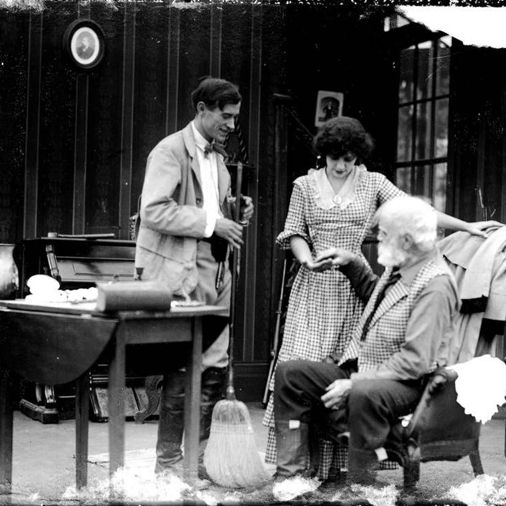 R.H. Thomson,Cecilia Parker Erotic clips Julie Graham,Joan Fontaine (1917?013 (naturalized American citizen