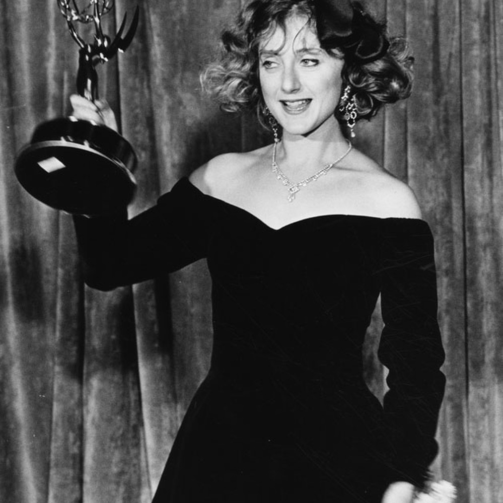 Carol Kane shows off her Emmy Award